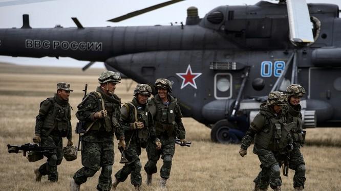 Binh sĩ Nga trong một cuộc tập trận