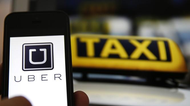"""Loại hình taxi Uber và GrabTaxi đã khiến không ít lái xe """"vỡ mộng"""" làm giàu, lâm vào cảnh nợ nần."""