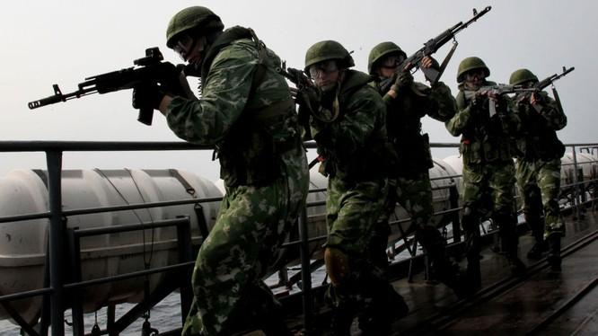 Binh sĩ Nga tập trận
