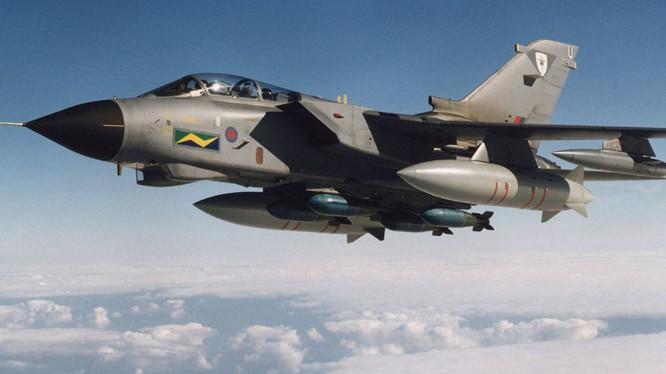 Chiến đấu cơ Tornado của không quân hoàng gia Anh