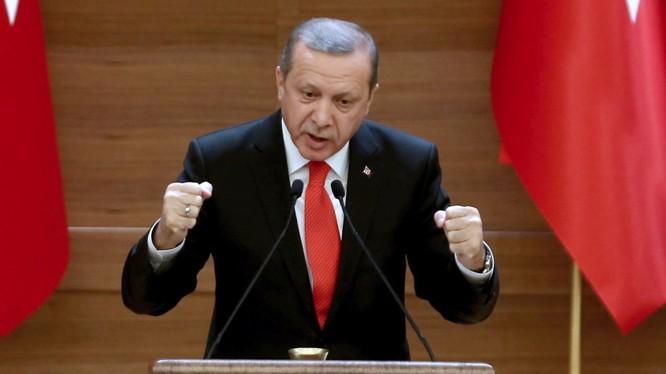 Ông Erdogan dọa sẽ cho người di cự tràn sang châu Âu