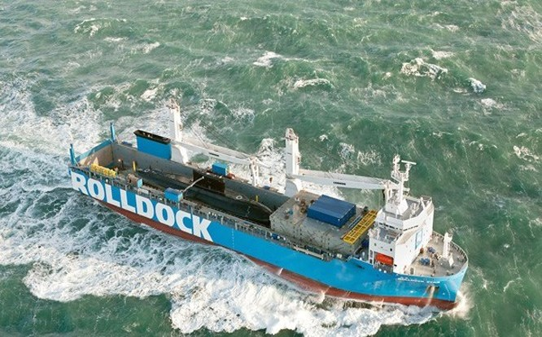 Tàu Kilo thứ 5 vừa được ban giao cho hải quân Việt Nam
