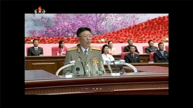 Tổng tham mưu trưởng quân đội Bắc Triều Tiên Ri Yong-Gil đọc diễn văn trong một hội nghị tại Bình Nhưỡng ngày 24/8/2014