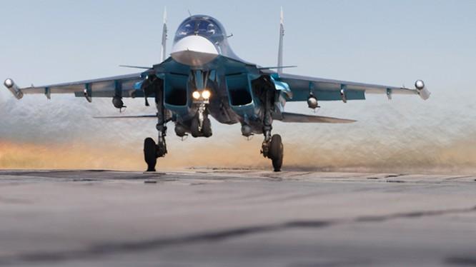 Su-34 Nga xuất kích thực hiện nhiệm vụ tại Syria