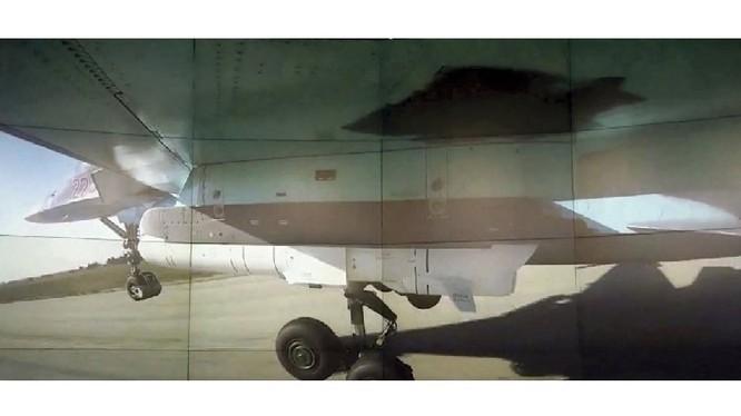 Hình ảnh chiến đấu cơ Su-34 Nga mang tên lửa chống hạm Kh-35UE xuất hiện tại Syria