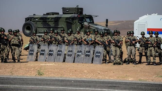 Thổ Nhĩ Kỳ tập trung quân ở biên giới giáp Syria