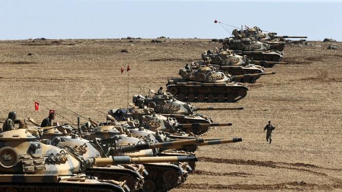 Thổ Nhĩ Kỳ tập trung binh lực, tuyên bố sẵn sàng can thiệp vào Syria
