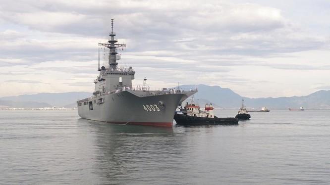 Một tàu của hải quân Lực lượng phòng vệ Nhật Bản đến cảng Tiên Sa, Đà Nẳng