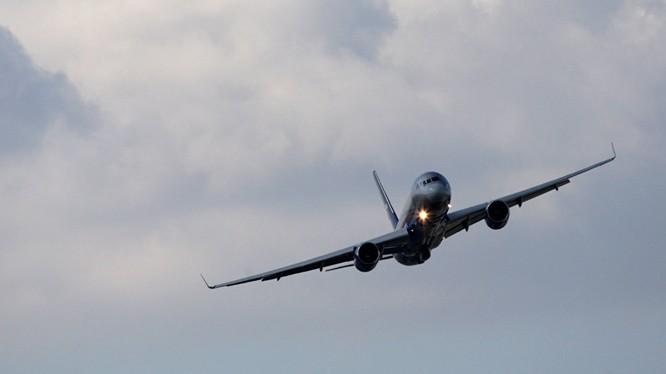Máy bay trinh sát tối tân Tu-214R của Nga