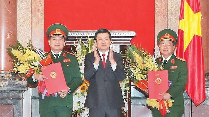 Chủ tịch nước phong hàm đại tướng cho các ông Ngô Xuân Lịch và Đỗ Bá Tị