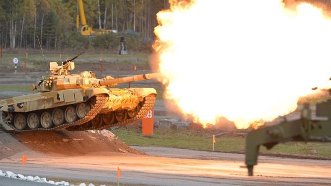 Xe tăng T-90 của Nga rất uy lực trên chiến trường