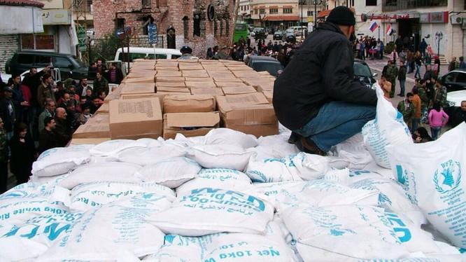 Hàng cứu trợ nhân đạo đến với người dân Syria