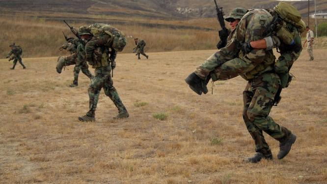 Lính đặc nhiệm Mỹ tập luyện