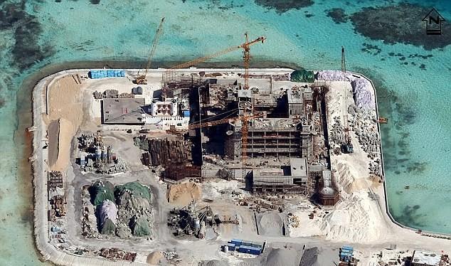Một trong 7 đảo nhân tạo Trung Quốc xây dựng trái phép trên Biển Đông