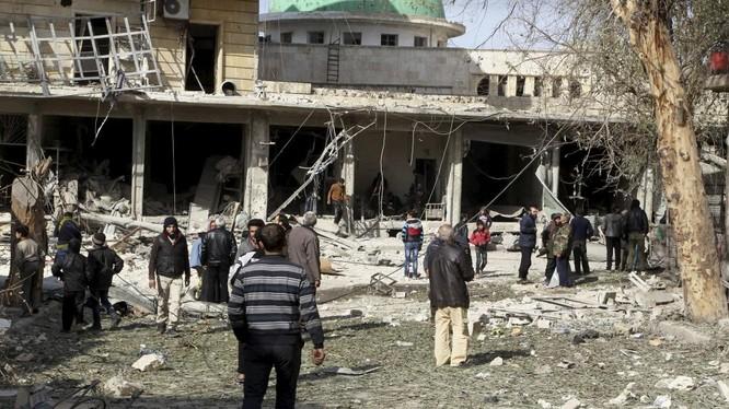 Cảnh chiến sự hoang tàn ở Aleppo