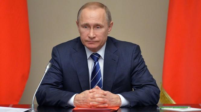 Putin là cái gai trong mắt phương Tây