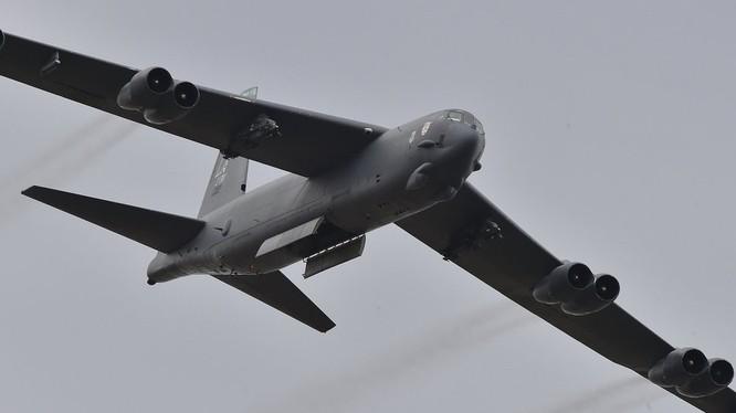 Máy bay ném bom B-52 của Mỹ