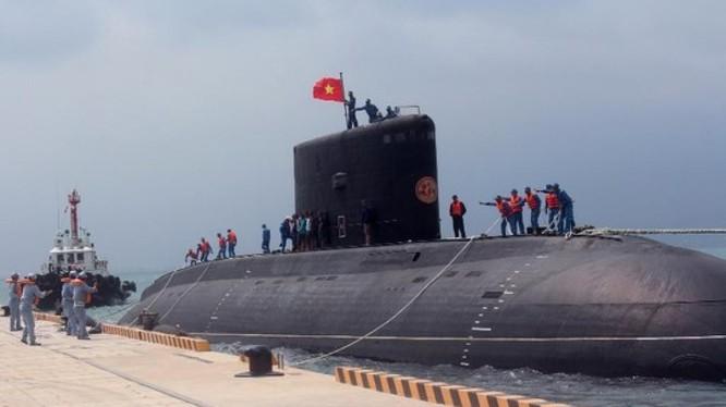 Tàu ngầm Kilo của hải quân Việt Nam đã trực chiến