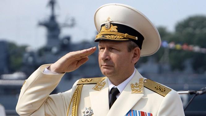 Tư lệnh hải quân Nga đột ngột xin từ chức