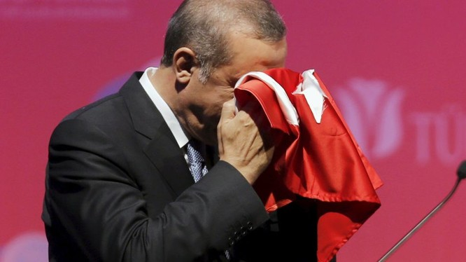 Tổng thống Erdogan đang chơi con bài người nhập cư để ép châu Âu chấp nhận Thổ Nhĩ Kỳ