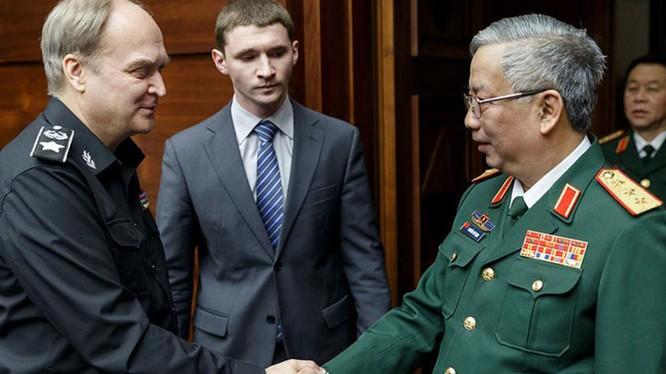 Thứ trưởng Quốc phòng Việt Nam và Nga nhất trí tăng cường quan hệ giữa quân đội hai nước