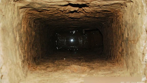 Đường hầm dài gần 100m của Bí thư huyện Tây Giang