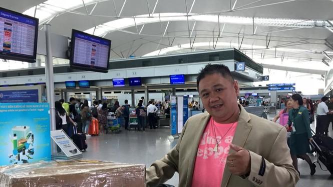 Hình ảnh Minh Béo tại sân bay hôm 18.3, trước khi lên đường lưu diễn tại Mỹ - Ảnh: Facebook nhân vật