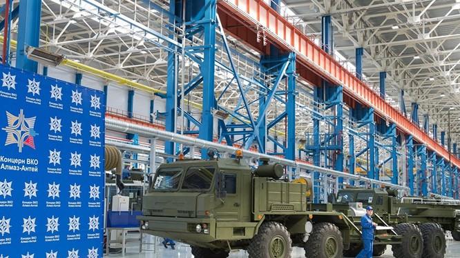Dây chuyền trong nhà máy sản xuất S-400 của Nga