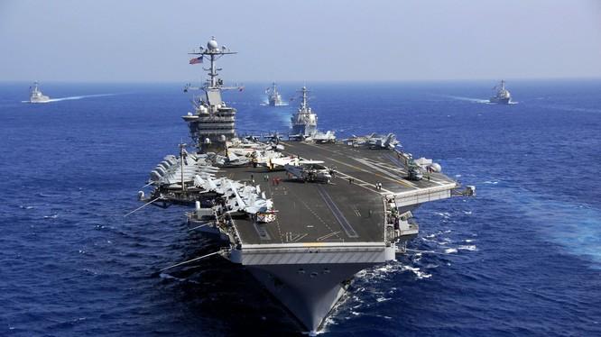 Tàu sân bay USS John C. Stennis đang có mặt ở Biển Đông