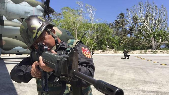 Lính Đài Loan đồn trú trái phép ở đảo Ba Bình