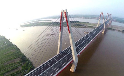 Dự án giao thông thuỷ và thuỷ điện trị giá 24.500 tỷ đồng trên sông Hồng nhận được nhiều chú ý từ dư luận.