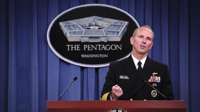 Ông Jonathan Greenert, cựu tư lệnh Hạm Đội 7 của Mỹ