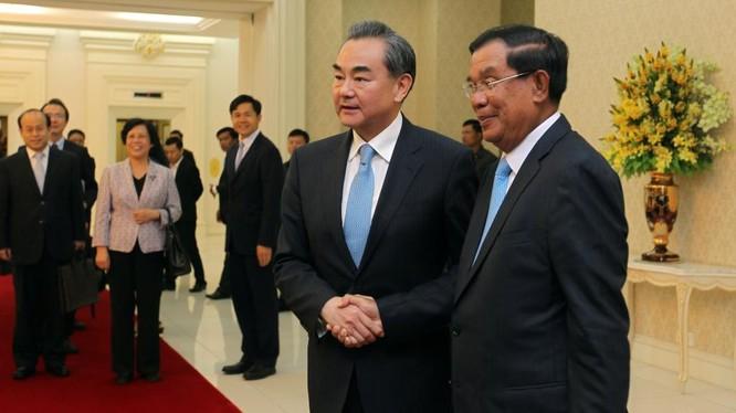 Vương Nghị đã tới Campuchia hôm 22/4 để vận động về Biển Đông