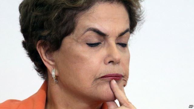 Tổng thống Rousseff tố cáo các đối thủ chính trị của bà trong đó có Phó Tổng thống Michel Temer âm mưu đảo chính.