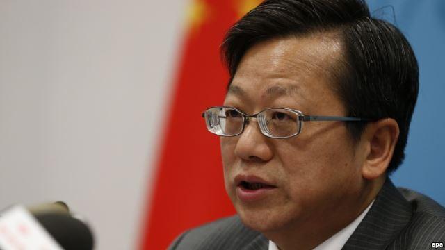 Ông Từ Hồng, Tổng Giám đốc Cơ quan Hiệp ước và Luật pháp thuộc Bộ Ngoại giao Trung Quốc, trong buổi họp báo tại Bắc Kinh ngày 12/5