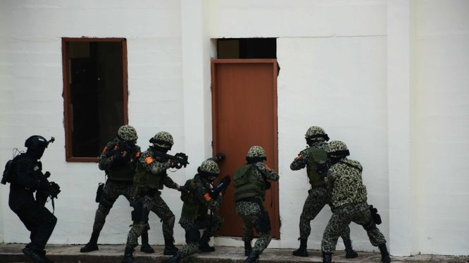 Đặc công Việt Nam trong tình huống tấn công khủng bố trong tòa nhà