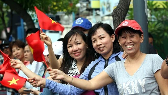 Người dân Sài Gòn vẫy chào ông Obama