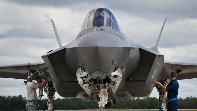 Chiến đấu cơ tàng hình F-35 của Mỹ