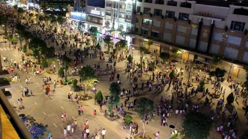 Phố đi bộ Nguyễn Huệ hiện đã được phủ sóng wifi miễn phí.