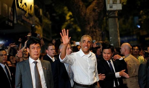 Ông Obama được chào đón nồng hậu ở Việt Nam