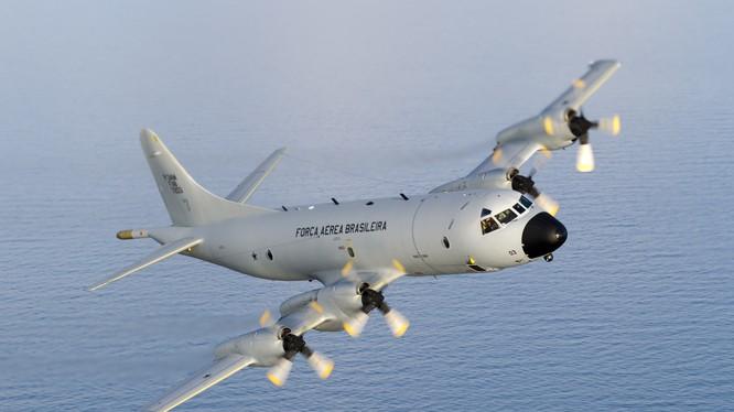 Máy bay trinh sát, săn ngầm P-3 Orion của Mỹ