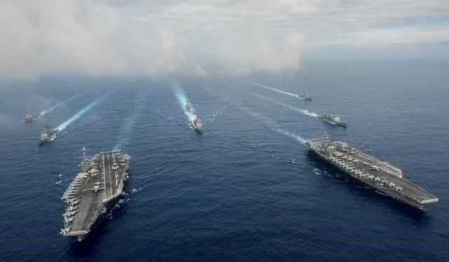 Hai tàu sân bay Stennis và Reagan đang tập trận gần Philippines