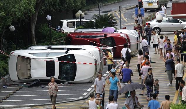 Dân Trung Quốc biểu tình, đập phá xe ô tô do Nhật Bản sản xuất trong cơn bạo động năm 2012