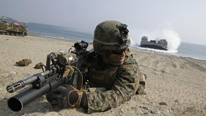 Lính Mỹ trong một cuộc tập trận đổ bộ