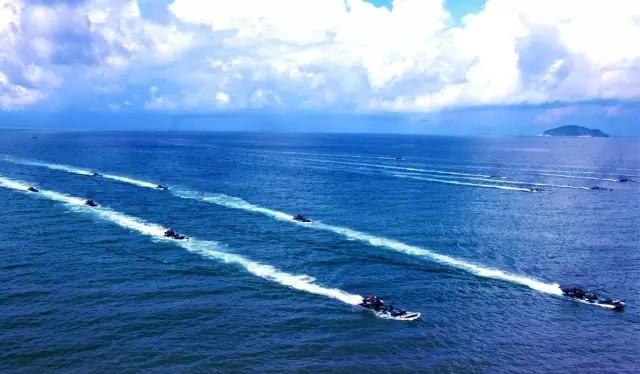 """Hải quân Trung Quốc tập trận đổ bộ trên biển. Nước này đang tiến hành cuộc tập trận quy mô """"chưa từng có"""" ở Biển Đông"""