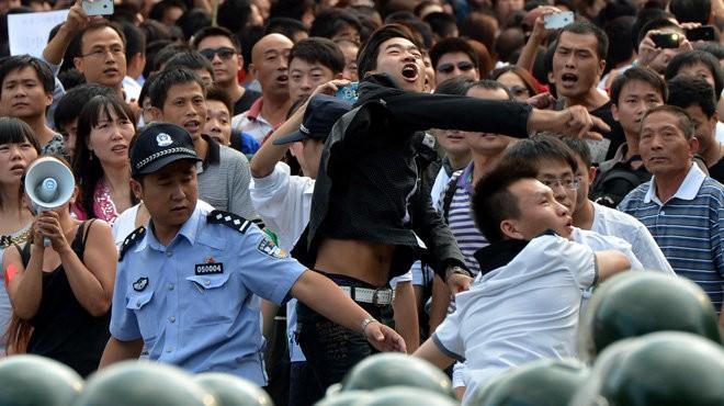 Chủ nghĩa dân tộc cực đoan Trung Quốc là con dao hai lưỡi