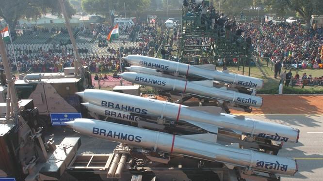 Ấn Độ được cho là sẽ bán tên lửa Brahmos cho Việt Nam