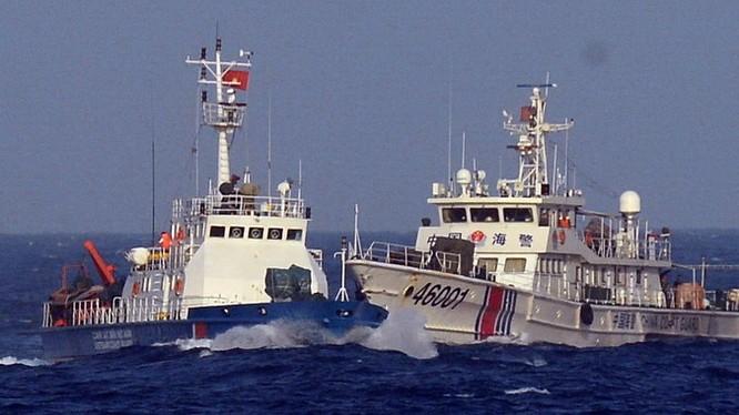 Tàu hải cảnh Trung Quốc đâm tàu cảnh sát biển Việt Nam trong cuộc khủng hoảng giàn khoan Hải Dương 981 năm 2014
