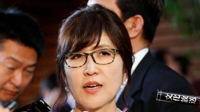 Bộ trưởng Quốc phòng Nhật Bản Tomomi Inada rất cứng rắn với Trung Quốc