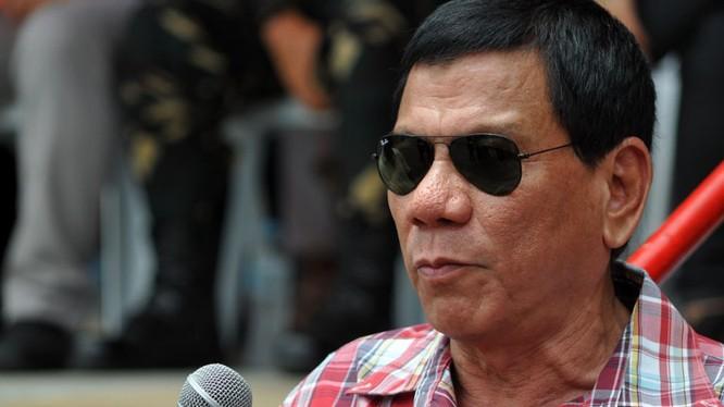 Ông Duterte khiến người ta rất khó lường với những hành động và phát ngôn gây sốc